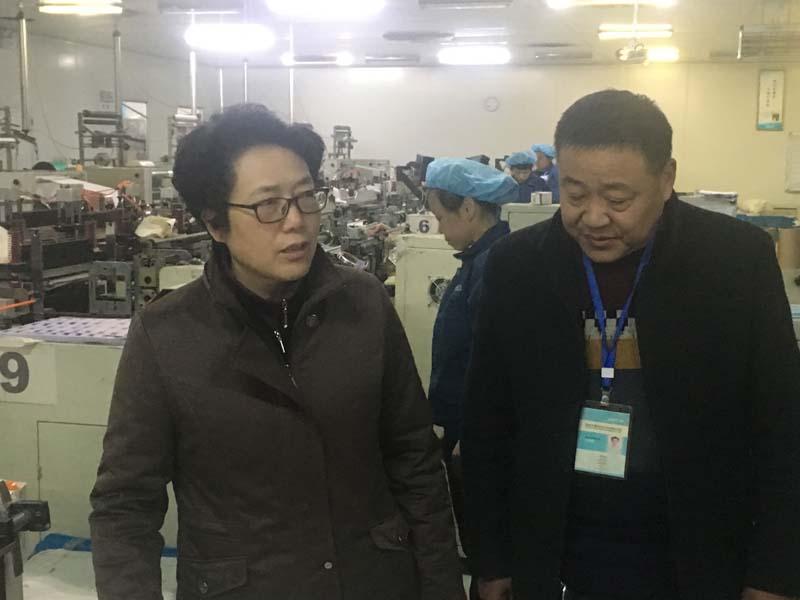 Wei Qingwei, Director del Comité Económico y de Información de la ciudad de Anqing, vino a nuestra empresa para inspeccionar el trabajo.